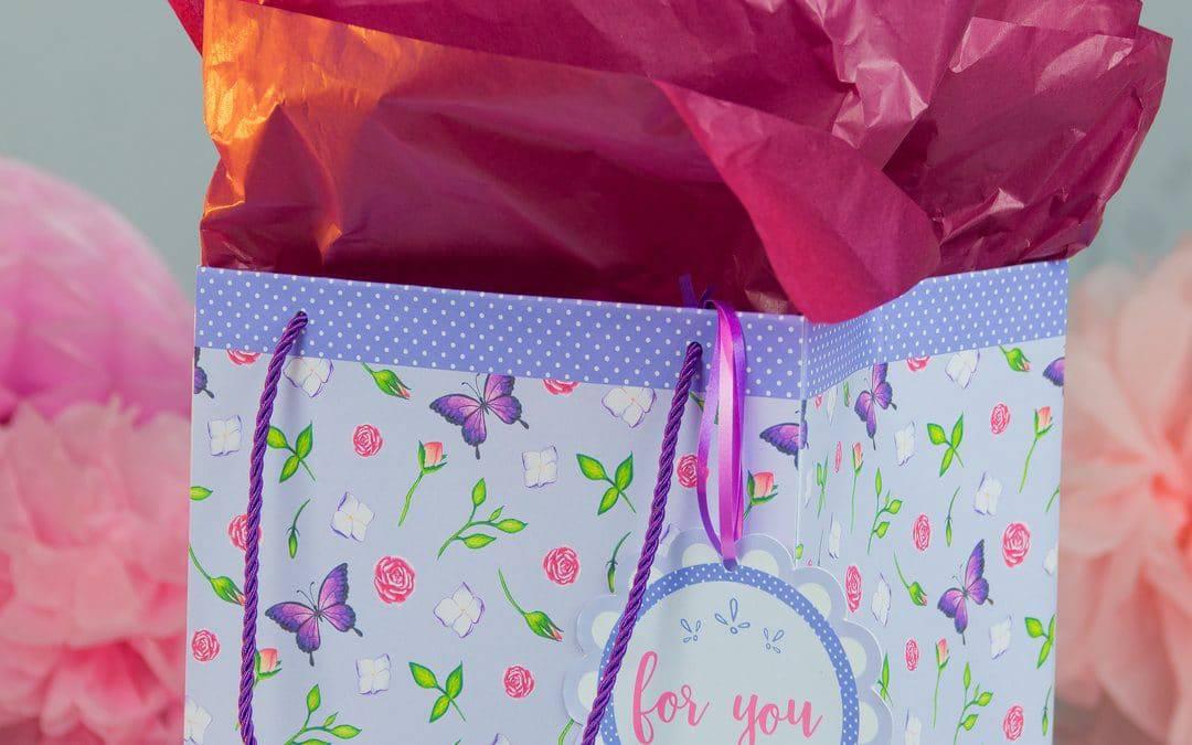 Craft a DIY Gift Bag (Free Printable)