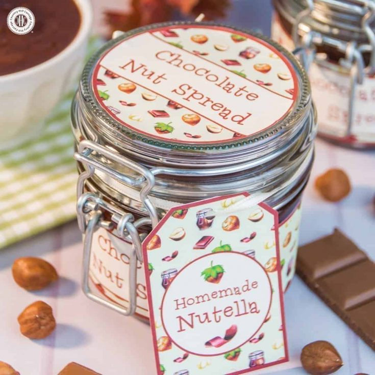 Homemade Nutella Chocolate Nut Spread Recipe and Printable Label. #diy #nutella #foodgift| countryhillcottage.com