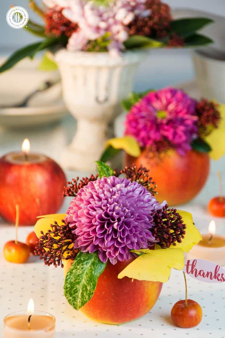 Using these apple DIYs, you can create beautiful and festivie tablescapes for Thanksgiving or Christmas! | countryhillcottage.com