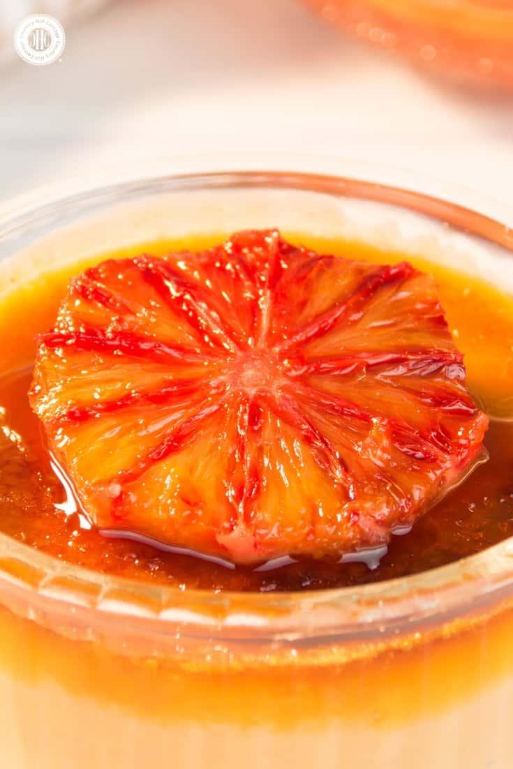 Make blood orange creme brulee wit a crackling caramel crust and caramelised blood orange slices! #bloodoranges #cremebrulee | countryhillcottage.com