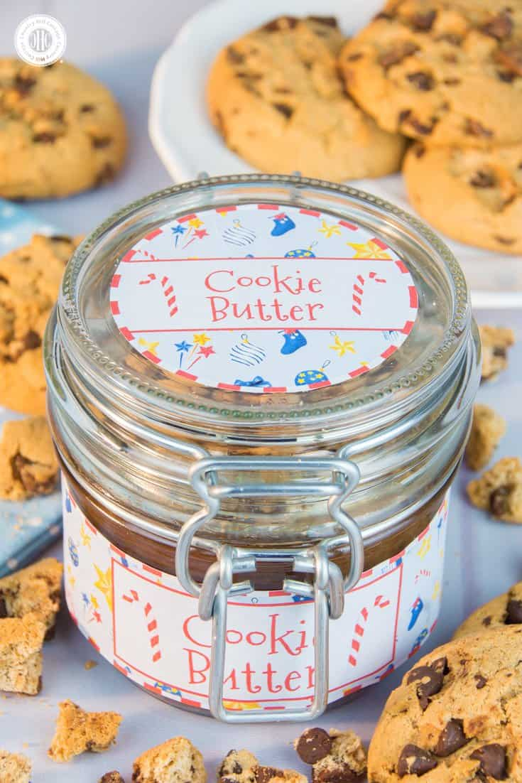 Homemade and yummy chocolate chip cookie butter with festive spices and free printable labels – 5 quick holiday gift giving ideas   countryhillcottage.com
