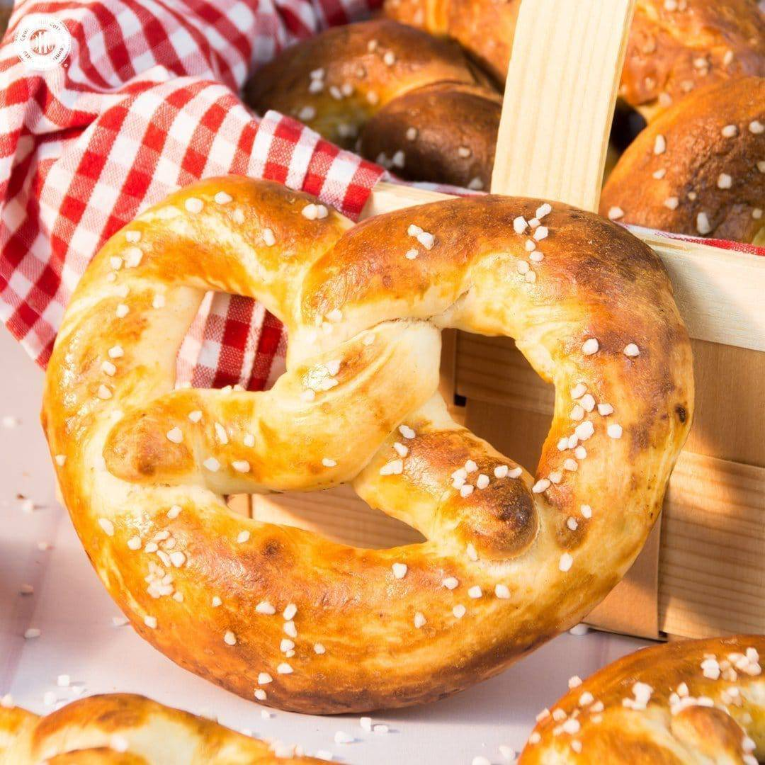Learn to bake homemade soft pretzels! Pretzels have a crisp crust but are chewy and soft inside and we love them still warm with a thick layer of butter or mustard. | countryhillcottage.com
