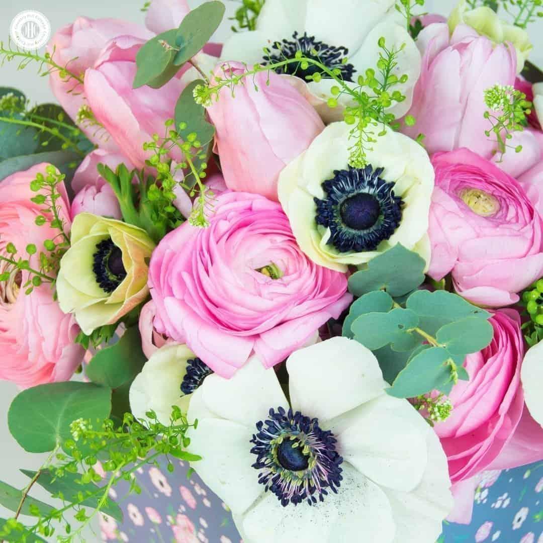 Make A Spring Flower Arrangement In Soft Pastels