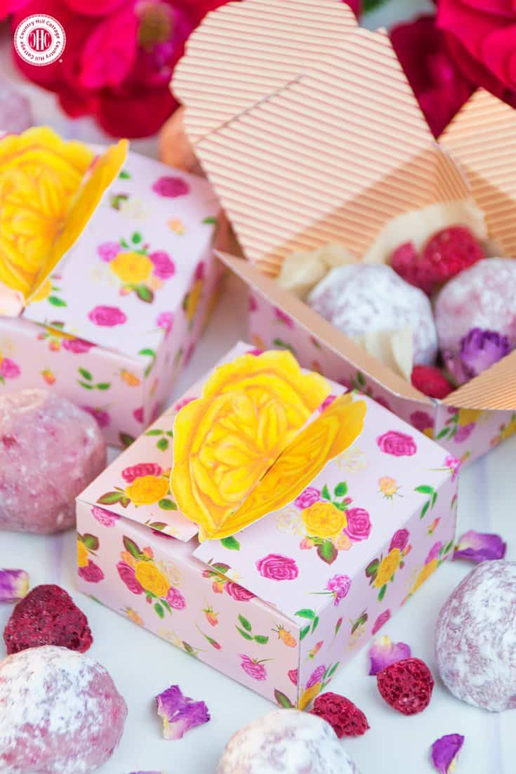 Package treats for friends and family in gorgeous favour boxes showing our Mary's Rose Garden print. You can download the free printable at our blog. #freebie #printable #giftgiving | countryhillcottage.com