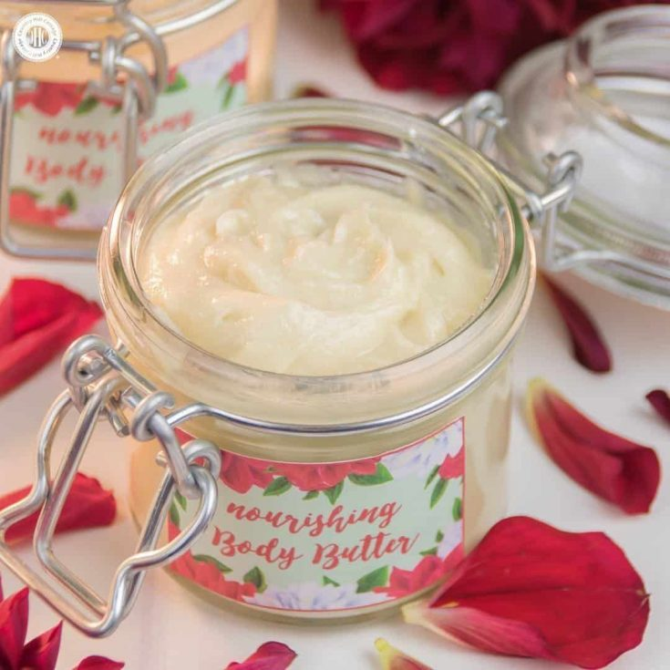 Our extra rich body butter is perfect to remedy dry skin in autumn and winter. The base for this beauty DIY is made with cacao butter and shea butter that help to keep the skin moisturised and protect from drying out. Apricot kernel oil and jojoba oil further boost the nourishing effect. part#skincare #bodybutter #beautydiy   countryhillcottage.com