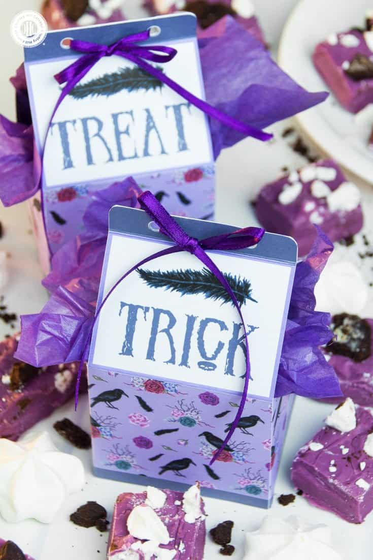 Download pretty printable Trick-or-Treat favour boxes to package and gift Halloween sweets and candy in style! #Halloween #printable #freebie | countryhillcottage.com