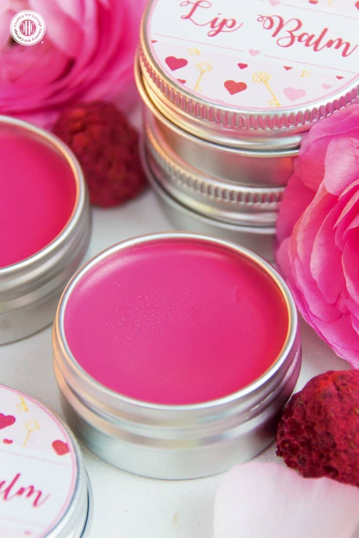 Give extra love to your lips with our DIY lip balm! The balm is made with hydrating shea butter and coconut oil to give lips a smooth and soft finish. Decorated with free printable labels, the lip balm makes a romantic present for Valentine's Day, a cute favour for bridesmaids, or a lovely DIY gift for someone in need of pampering. #skincare #lipbalm #beautydiy | countryhillcottage.com