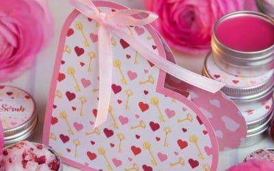 Heart Favour Boxes   Free Printable