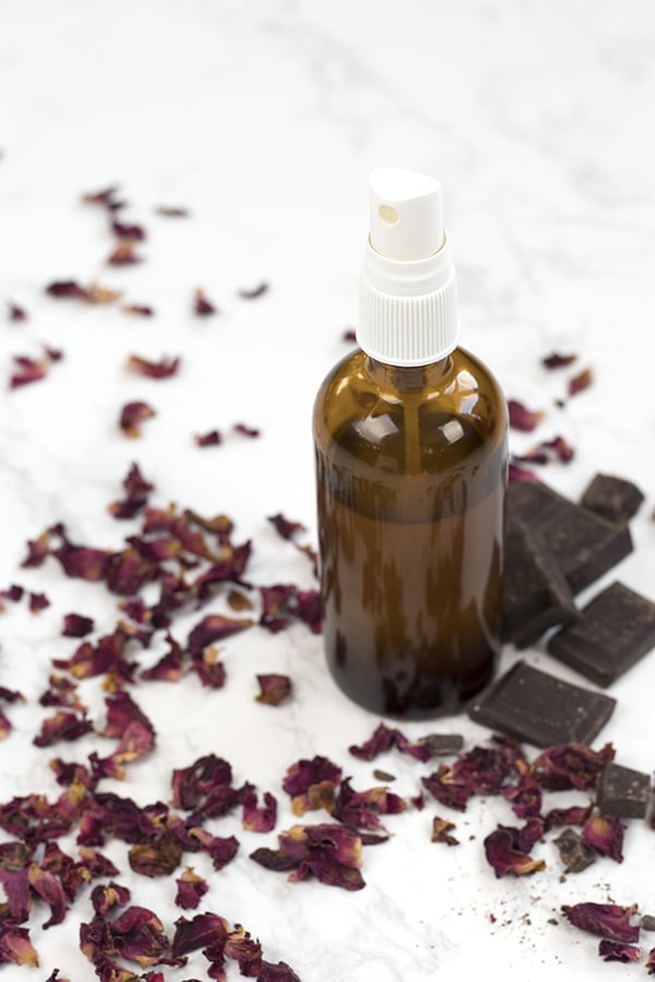 Capture the romantic scent of roses and chocolate in a bottle with this non-toxic and all-natural homemade room spray! Your entire home will be filled with the delicious, fragrant aroma of dark chocolate and fresh roses. Best of all, you'll avoid the chemicals that are found in most store bought room sprays. via A Life Adjacent