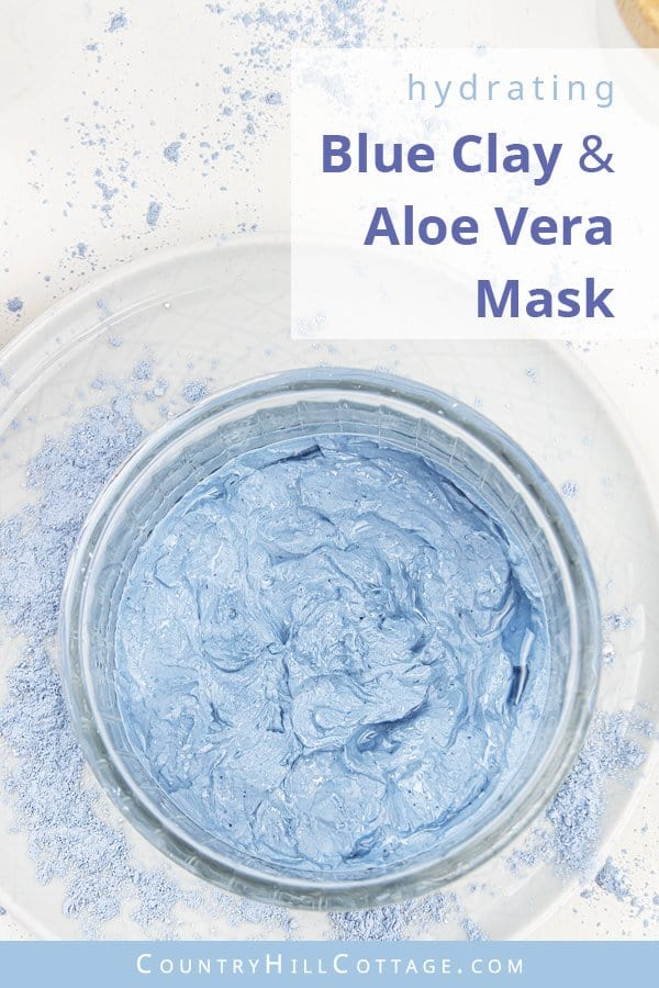 Simple blue clay mask with aloe vera gel – Glacial blue hydrating face mask. A clay mask can be drying on the skin, especially when you already have dry or sensitive skin. To still enjoy the cleansing and purifying effects of blue clay, I made this easy blue clay mask with aloe vera gel. Aloe vera is known for its soothing and hydrating effects. Whether you have dry, itchy skin or very oily skin, aloe vera gel can help. #blueclay #claymask #blueclaymask #aloevera #clay | countryhillcottage.com