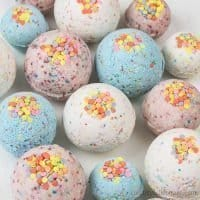 DIY Bath Bombs without Citric Acid for Kids