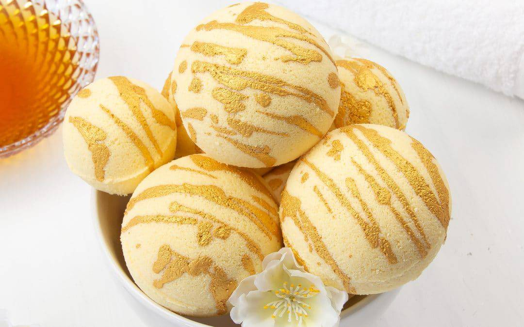 DIY Moisturising Bath Bombs Recipe – Homemade Milk & Honey Bath Bombs