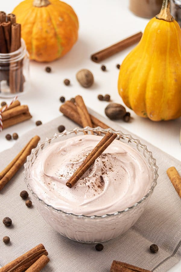 Learn how to make DIY pumpkin spice body butter and keep your skin feeling amazing! This homemade whipped body butter recipe is best for fall & winter skincare and made shea butter, pumpkin seed oil, lanolin, arrowroot & vitamin e. The simple natural organic non-greasy body but-ter is scented with a pumpkin pie spice essential oil blend. Great moisturizer for dry skin. With free printable labels + jars packaging idea. #bodybutter #sheabutter #pumpkinspice #essentialoils   countryhillcottage.com