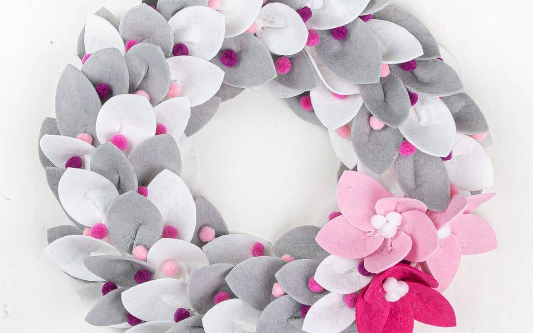 DIY Christmas Felt Wreath with Felt Poinsettia 2 Ways
