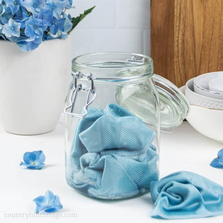 DIY Disinfectant Wipes – How to make DIY Cleaning Wipes