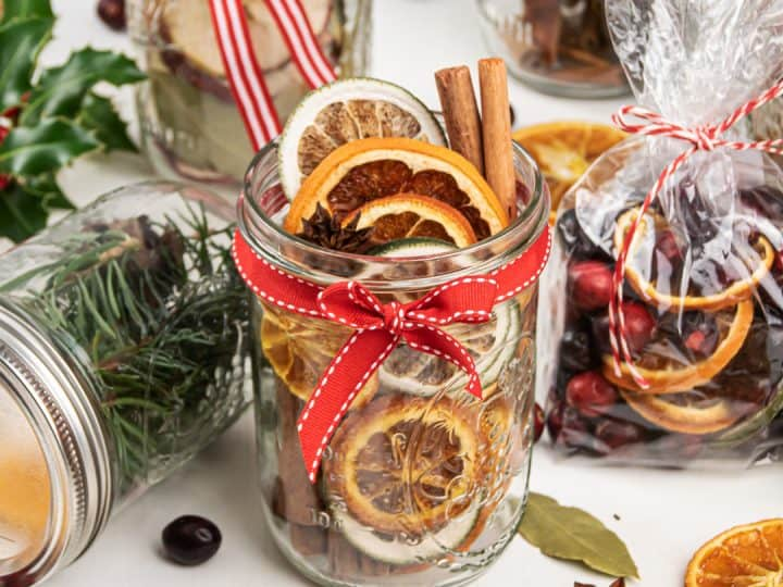 Stovetop Potpourri Gift Ideas 6 Christmas Potpourri In A Jar Recipes