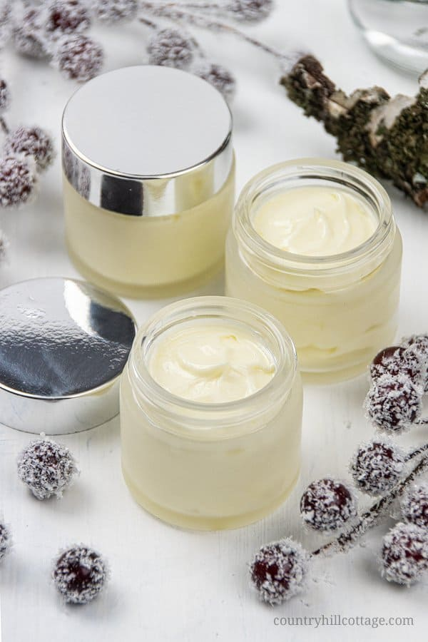 DIY hydrating eye cream for sensitive skin is perfect for the skin around the eyes, antiaging and wrinkles. Learn how to make homemade eye cream with natural materials. The ingredients in this lightweight moisturizing recipe include birch sap, nourishing oils and vitamin E. Has a light brightening effect, reduces puffiness and also a great overnight treatment. Suitable for teens, men, 20s, 40s, 50s. Comes with free printable labels for packaging. #eyecream #skincare | countryhillcottage.com