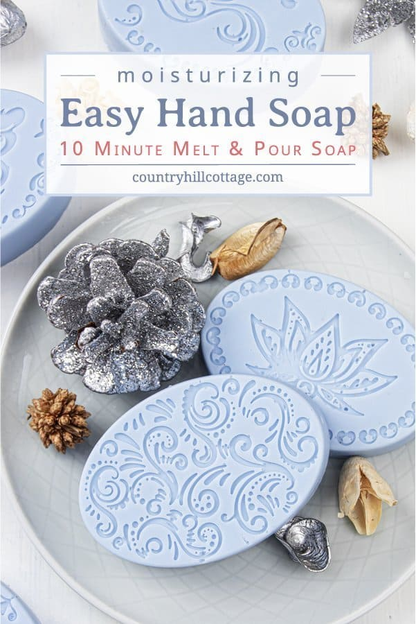 See how to make the best moisturizing soap for sensitive, mature, eczema and dry skin in just 10 minutes! This easy natural DIY melt and pour soap recipe with essential oils is simple for beginners and very hydrating. The pretty homemade hand soap bar is a quick handmade Christmas present and beauty gift idea that every skincare lover will appreciate. Can be made with goat milk or shea butter soap base. #soap #meltandpour #essentialoils #holidays #giftidea #soaprecipe | countryhillcottage.com