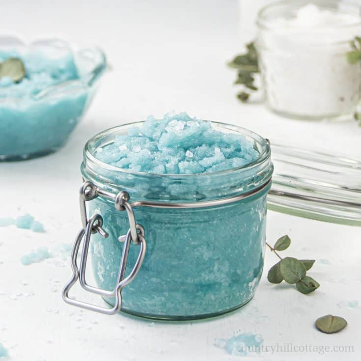 How to make easy homemade sea salt scrub for glowing skin, hands, body, foot! The best natural exfoliating DIY salt scrub recipe is made with organic moisturizing coconut oil and lemon lime essential oils has many skin care benefits and can be made with Epsom, pink Himalayan or dead sea salt. With tips for vs sugar scrub, how to store and use body scrub, packaging ideas and printable labels. Make your own Lush Ocean Salts beauty products at home. #bodyscrub #saltscrub | countryhillcottage.com
