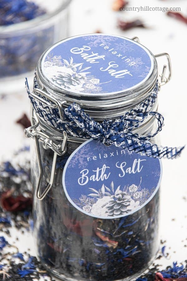 Bath salts and herbal bath soaks are unique DIY Christmas gift ideas and will put a smile on everyone who receives this skincare treasure. Since the salt is black, I think this would also be an excellent bath salt for men. To gift wrap, fill the detox bath soak into a pretty glass jar and use free printable bath salt labels to decorate your homemade gift. #bathsalts #bathsoak #gift #Christmas #holidaygift #DIYgift #printable #printablelabel | countryhillcottage.com