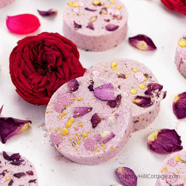 How to Make Rose Petal Bath Bombs {Natural + Moisturizing Recipe}