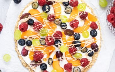 How To Make Healthy Fruit Pizza {Vegan + Gluten Free}