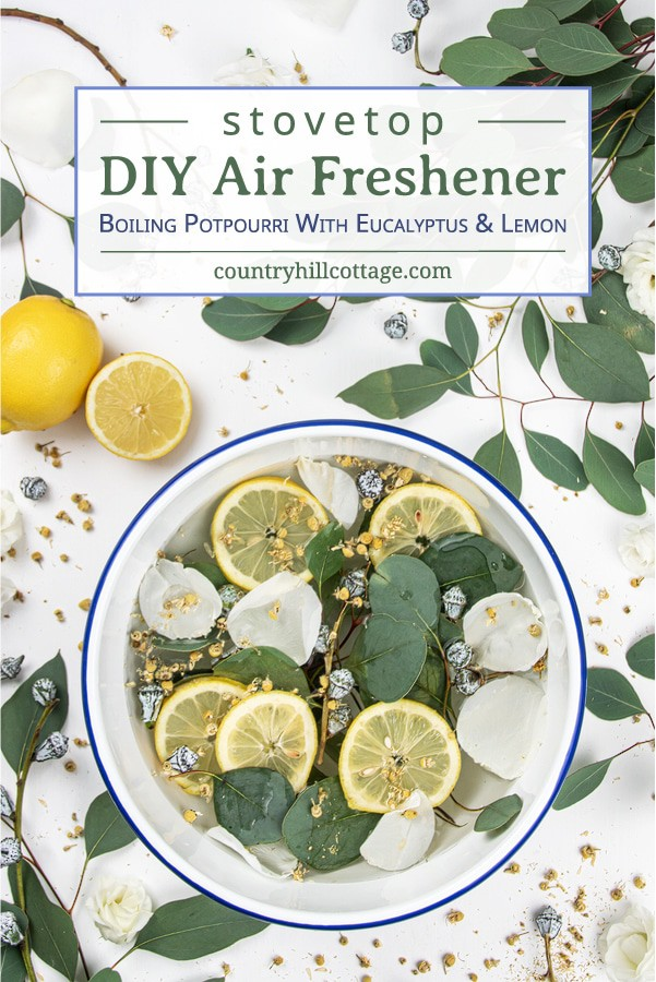 Find out how to make your house smell good naturally with a boiling potpourri. Learn how to make a stovetop air freshener with eucalyptus and lemon and how to deodorizes your entire house. This homemade stove simmer is a DIY air freshener without essential oils is beneficial for the respiratory system and fresh air. Clean smell, great for colds, can be used year round, in spring, summertime, fall and winter. With crockpot instructions storage directions. #airfreshener | countryhillcottage.com