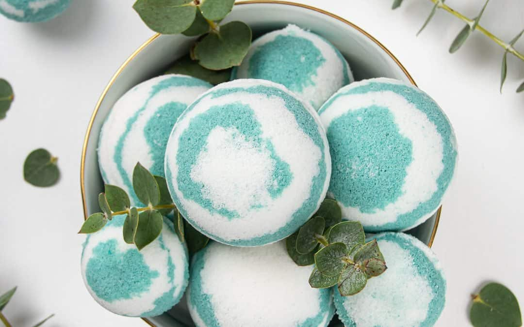 Easy Homemade Eucalyptus Bath Bombs Recipe