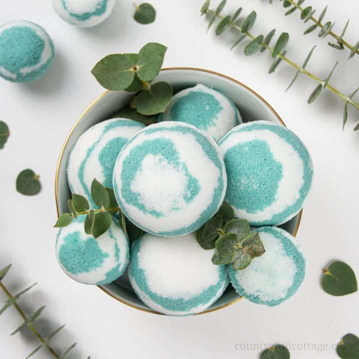 Easy Homemade Eucalyptus Bath Bombs Recipe