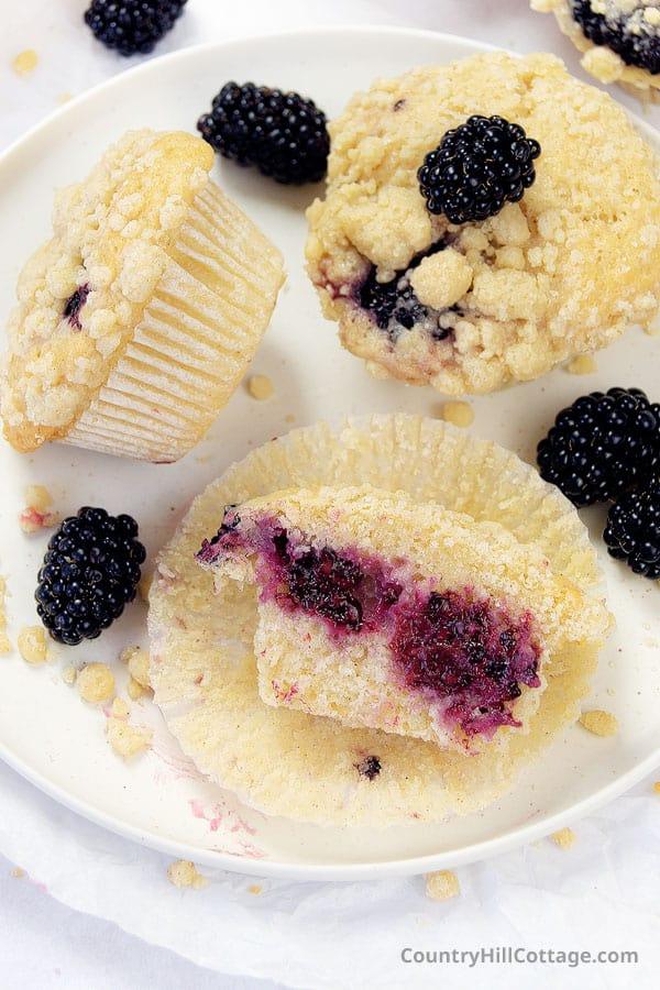 easy blackberry muffins