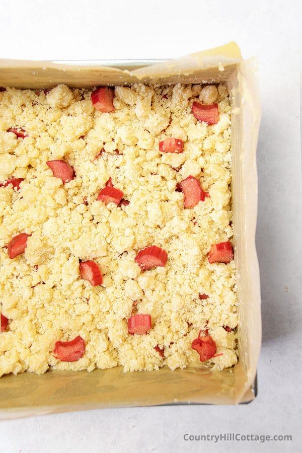 how to make rhubarb streusel coffee cake