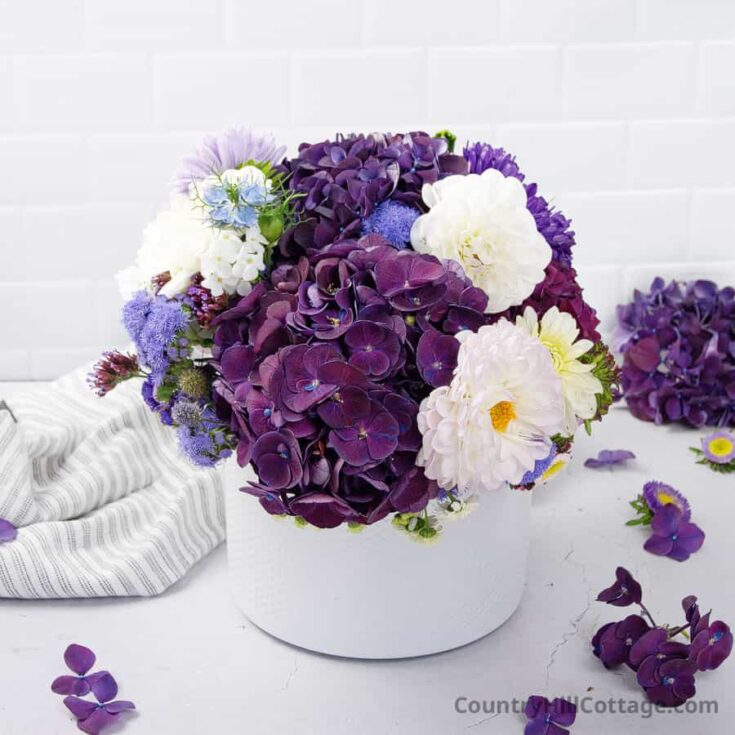 diy purple hydrangea bouquet